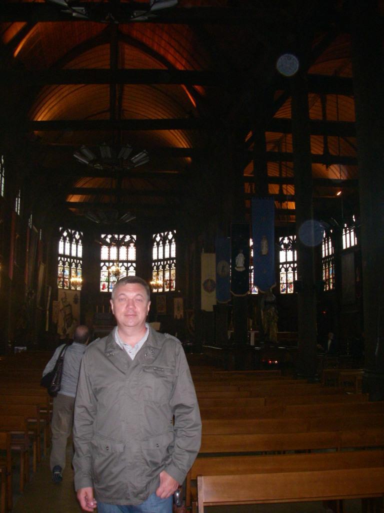 Церковь полностью из дерева